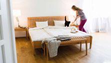 Bett Zebra - sanfte Linienführung im klassischen Design|bettgestell zebra mit Kopfteil